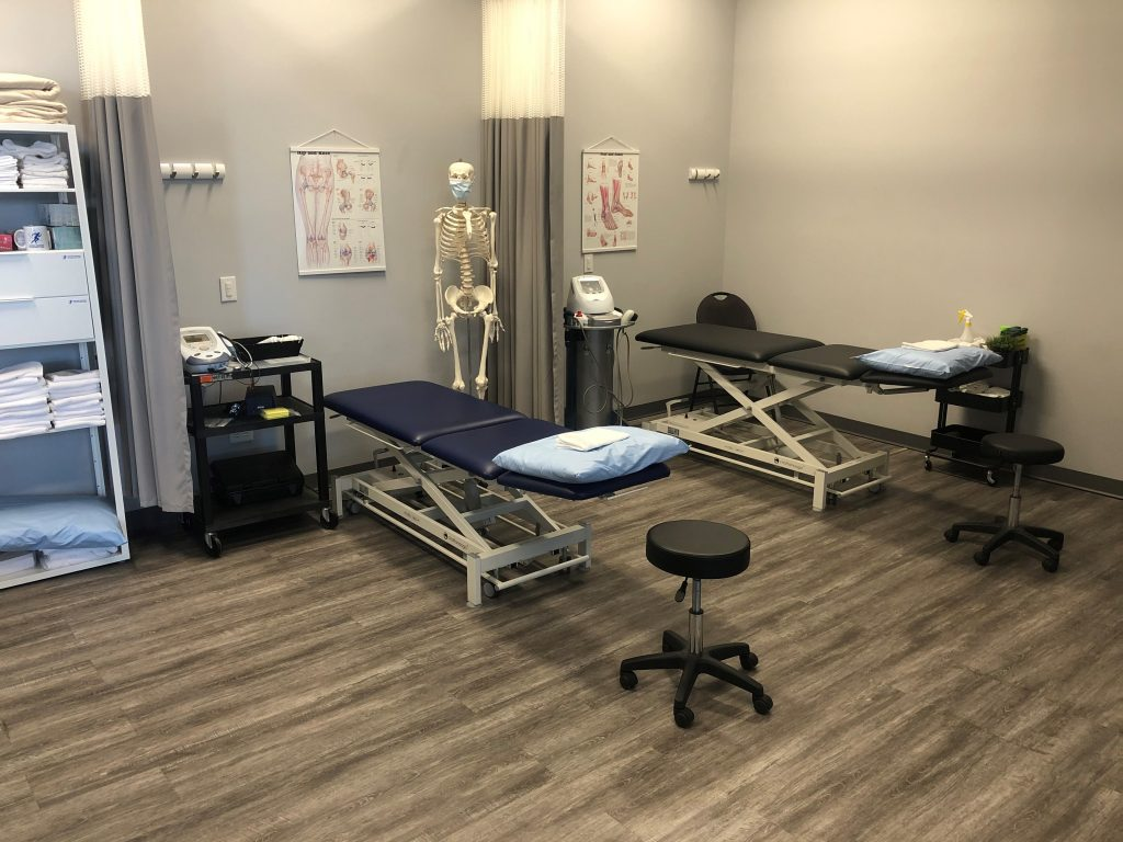 Sports Injury Clinic Winnipeg - Physiotherapy - Shockwave - Ultrasound - Clinic environment